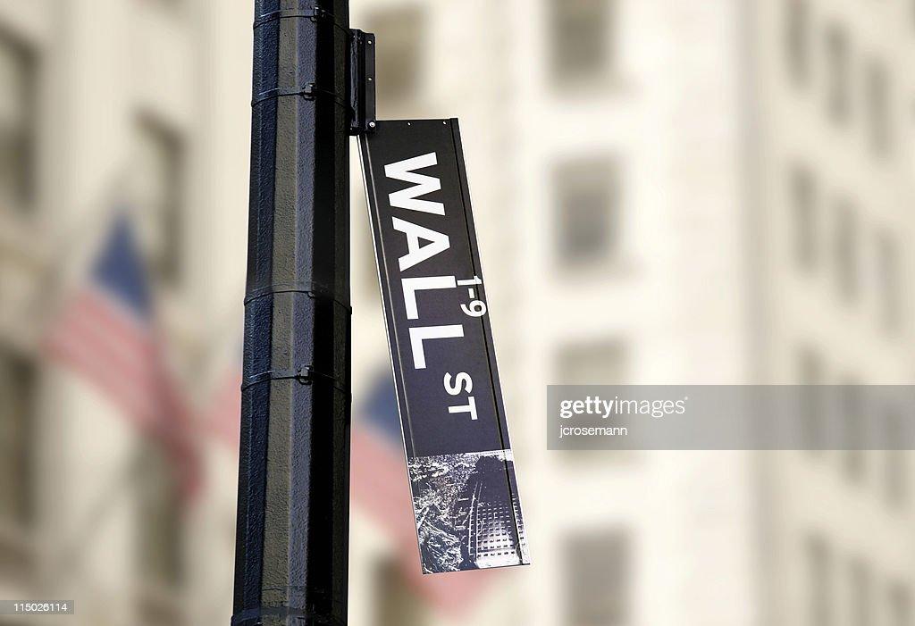 Hanging Wall-Street-Schild : Stock-Foto