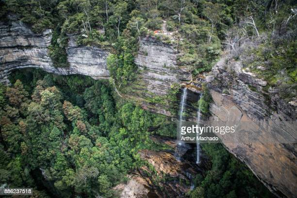 hanging waterfall - blue mountains national park stock pictures, royalty-free photos & images