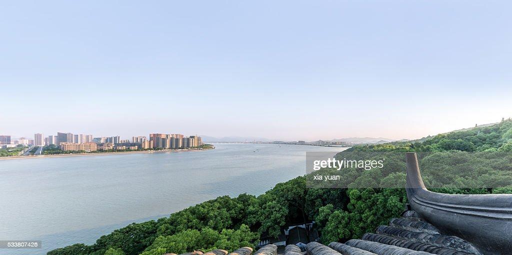 Hangzhou cityscape seen from the Six Harmonies Pagoda (Liuhe Pagoda),Hangzhou,China : Foto stock