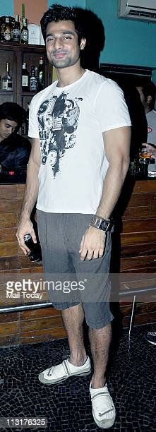 Hanif Hilal at Kushal Punjabi's birthday bash at Andheri Mumbai on April 25 2011