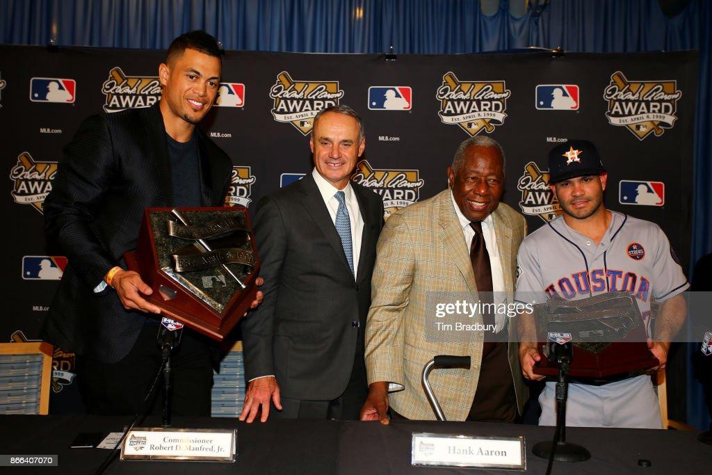 World Series - Houston Astros v Los Angeles Dodgers - Game Two : ニュース写真