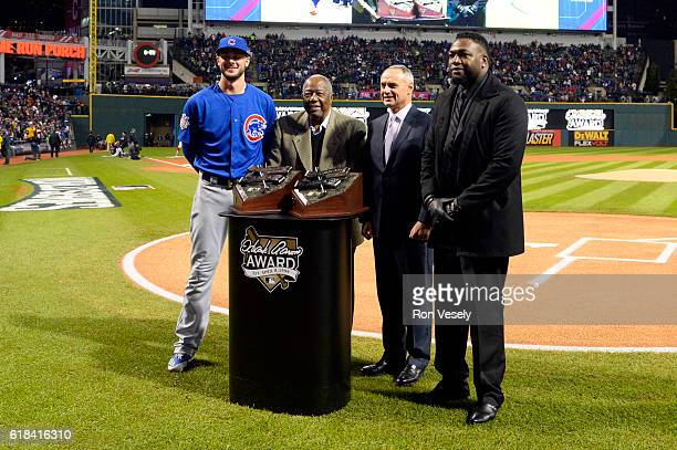 Hank Aaron Award Recipients David Ortiz of the Boston Red Sox and Kris Bryant of the Chicago Cubs pose for a photo with Hall of Famer Hank Aaron and...