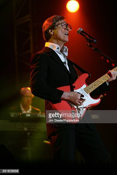 Hank Marvin of The Shadows performing on stage during their last concert at Wembley Arena in London on the 23rd October, 2009.