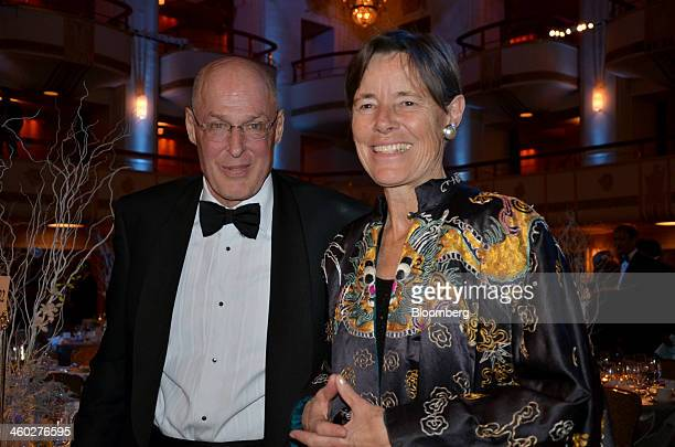 Hank Paulson former US Treasury Secretary left and his wife Wendy Paulson attend a benefit for the Asia Society held at the Waldorf Astoria in New...