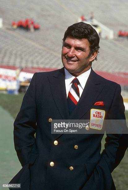 Hank Stram CBS Radio Sports commentator is seen on the field prior to the NFL Football Super Bowl XVII between the Washington Redskins and Miami...