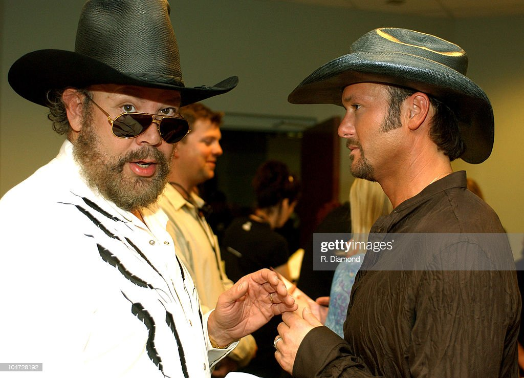 2003 CMT Flameworthy Awards - Audience and Backstage