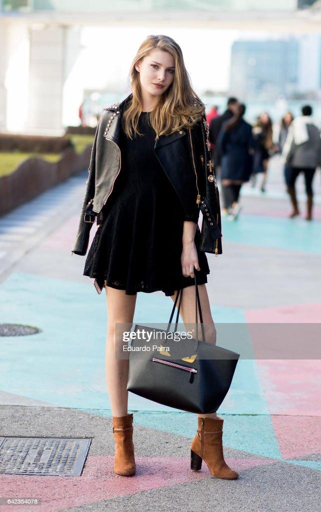 Street Style - Mercedes Benz Fashion Week Madrid Autumn / Winter 2017 : News Photo
