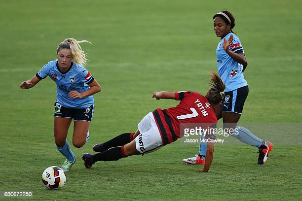 Hannah Bacon of Sydney controls the ball during the round nine W-League match between Western Sydney and Sydney at Popondetta Park on December 30,...