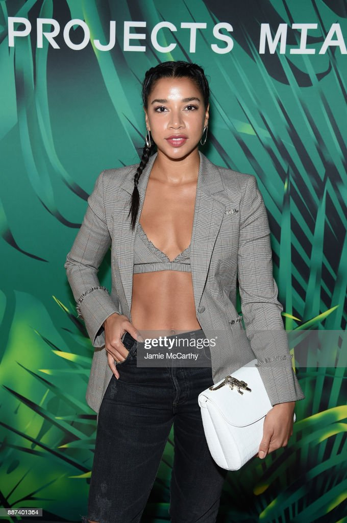 Hannah Bronfman attends the Artsy Projects Miami x Gucci: Special Thanks to Bombay Sapphire at The Bath Club on December 6, 2017 in Miami Beach, Florida.