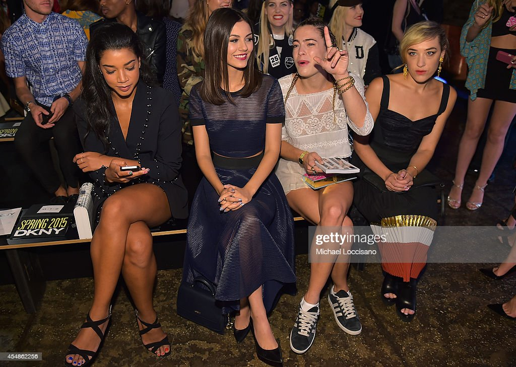 DKNY Women's - Front Row - Mercedes-Benz Fashion Week Spring 2015 : News Photo