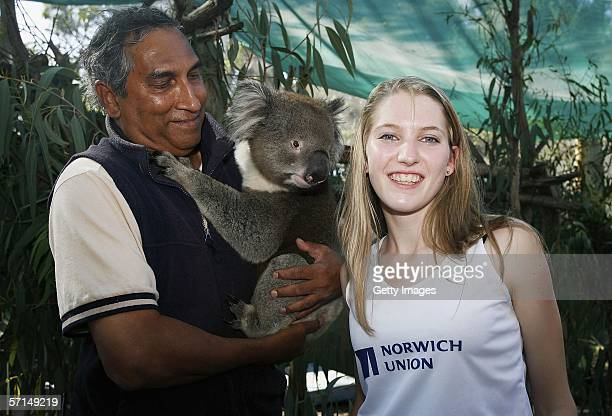 Hannah Brooks meets a koala at Melbourne Zoo March 21 Melbourne Australia Hannah Brooks is part of 6 Junior British Middle Distance Runners who are...