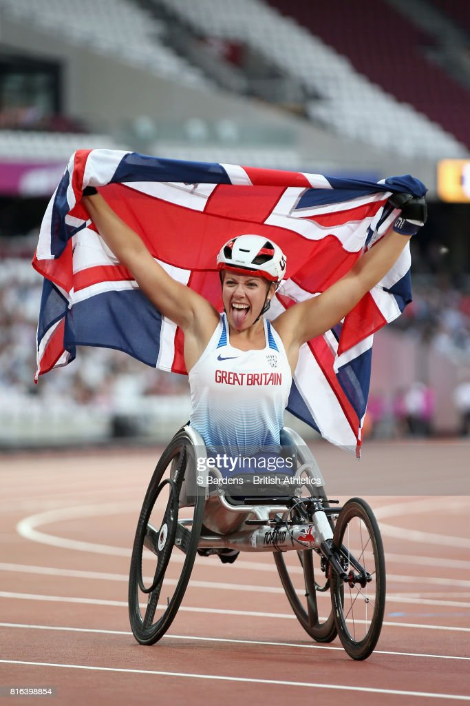 Hannah Cockcroft of Great Britain celebrates winning gold in the Women's 800m T34 Final during Day Four of the IPC World ParaAthletics Championships 2017 London at London Stadium on July 17, 2017 in London, England.