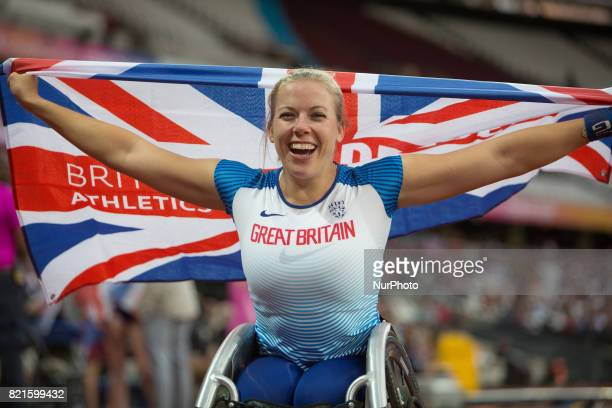 Hannah Cockroft of Great Britain celebrates after winning gold in the Women's 400m T34 Final during World Para Athletics Championships at London...