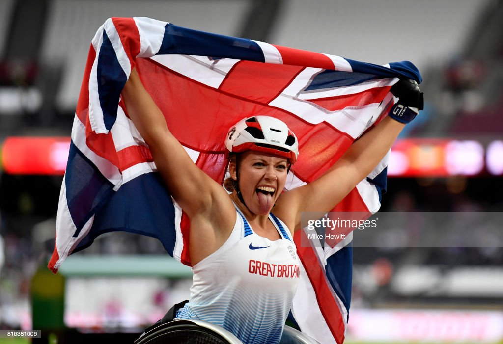 Hannah Cockroft of Great Britain celebrates victory in the Women's 800m T34 Final during day four of the IPC World ParaAthletics Championships 2017 at the London Stadium on July 17, 2017 in London, England.