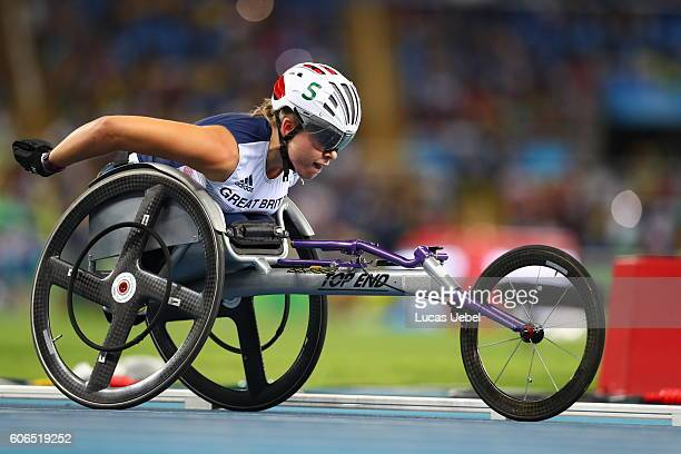 Hannah Cockroft of Great Britain competes in the Women's 800m - T34 during day 9 of the Rio 2016 Paralympic Games at the Olympic Stadium on September...
