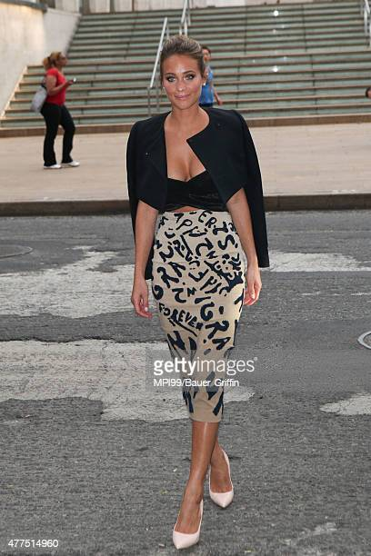 Hannah Davis arrives to the 2015 Fragrance Foundation Awards at Alice Tully Hall at Lincoln Center on June 17, 2015 in New York City.