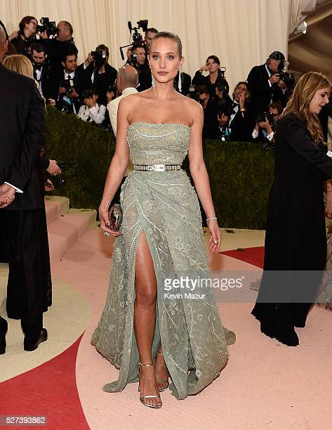 Hannah Davis attends 'Manus x Machina Fashion In An Age Of Technology' Costume Institute Gala at Metropolitan Museum of Art on May 2 2016 in New York...