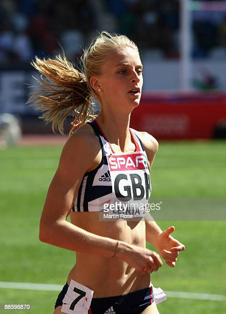 Hannah England of Great Britain competes during the women's 800m during day one at the Spar European Team Championship at the Estadio Municipal...