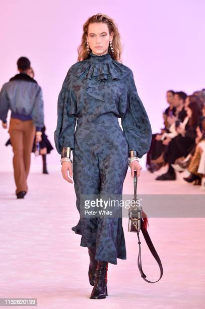 Hannah Ferguson walks the runway during the Chloe show as part of the Paris Fashion Week Womenswear Fall/Winter 2019/2020 on February 28, 2019 in...
