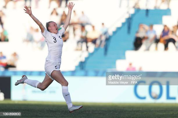 Hannah MackayWright of New Zealand celebrates after New Zealand defeat Japan in penalty kicks during the FIFA U17 Women's World Cup Uruguay 2018...