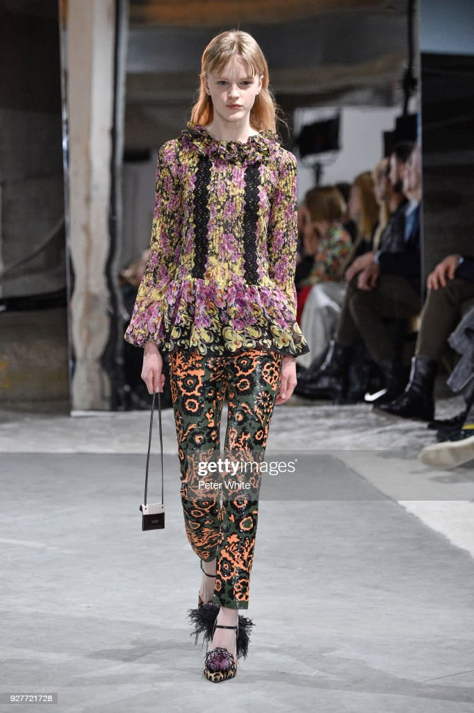 Hannah Motler walks the runway during the Giambattista Valli show as part of the Paris Fashion Week Womenswear Fall/Winter 2018/2019 on March 5, 2018 in Paris, France.