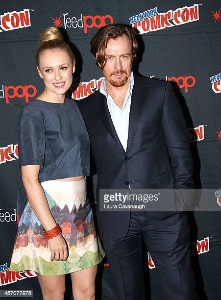 Hannah New and Toby Stephens in the 'Black Sails' Press Room at 2014 New York Comic Con Day 3 at Jacob Javitz Center on October 11 2014 in New York...