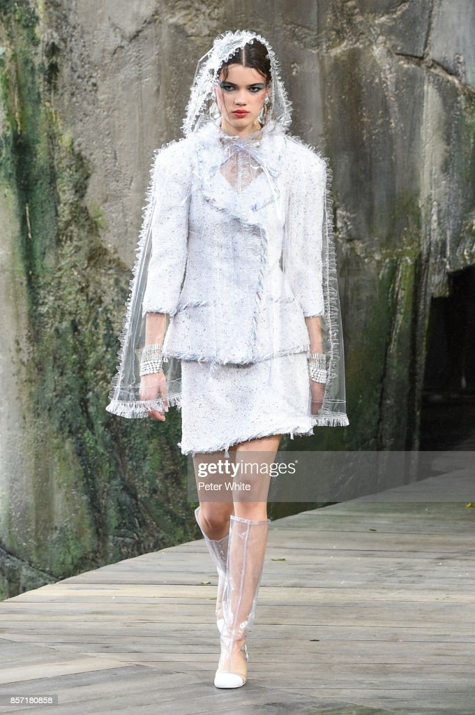 Hannah Sprehe walks the runway during the Chanel Paris show as part of the Paris Fashion Week Womenswear Spring/Summer 2018 on October 3, 2017 in Paris, France.