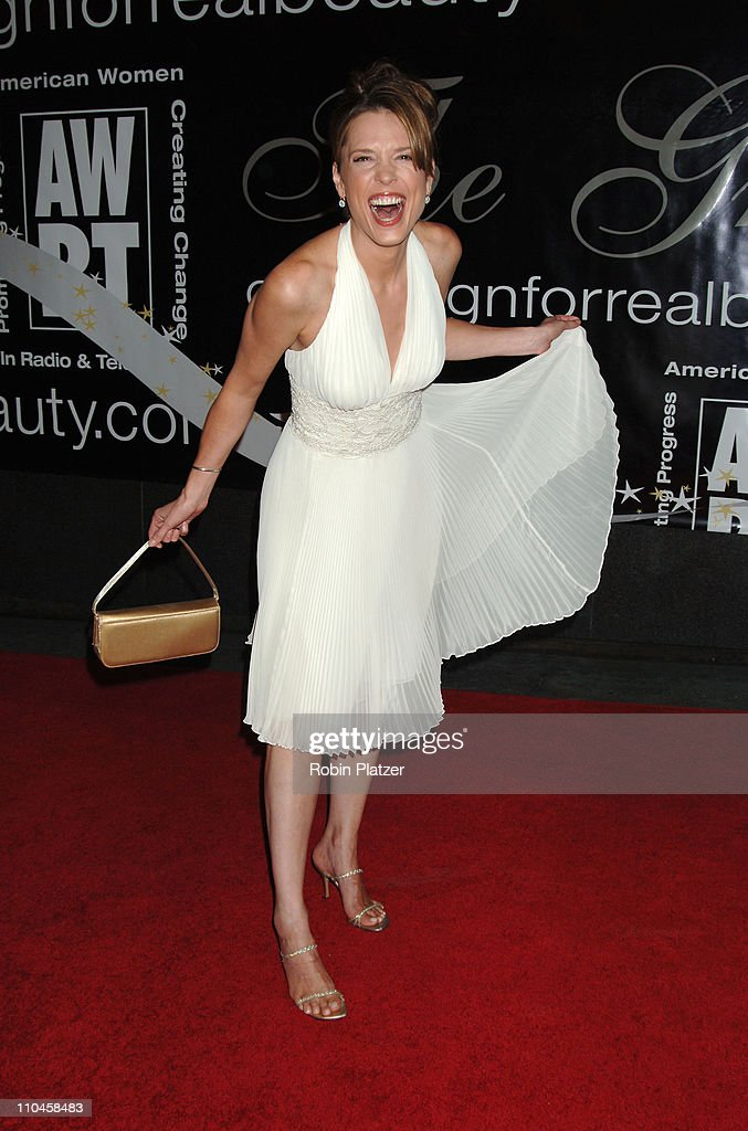 31st Annual American Women in Radio & Television Gracie Allen Awards - Red