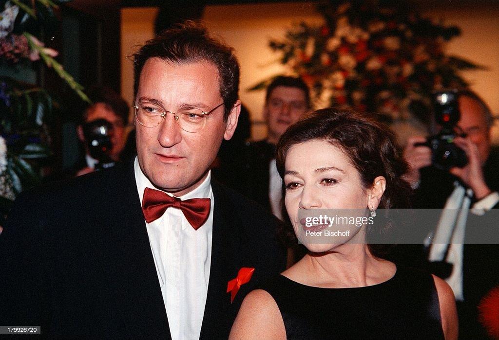 Hannelore Elsner, Ehemann Uwe Carstensen,;Frankfurter Opernball, : Nachrichtenfoto
