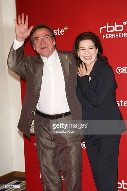 Hannelore Elsner Und Elmar Wepper Bei Der Nominierungsveranstaltung Zum Deutschen Filmpreis Im Hotel Concorde In Berlin Am 110408