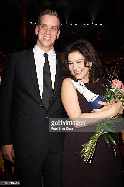 Hannelore Elsner Und Sohn Dominik Bei Der 32 Verleihung Des Bayerischen Filmpreises In München