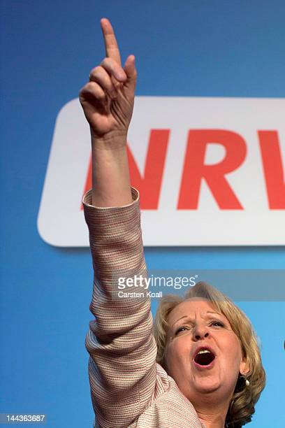 Hannelore Kraft celebrates with supporters after the announcement of initial exit poll results that give the SPD 39 % of the vote during elections in...