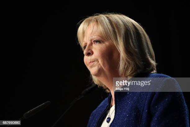 Hannelore Kraft lead candidate of the German Social Democrats looks dejected as she speaks to supporters after the CDU won the North RhineWestphalia...