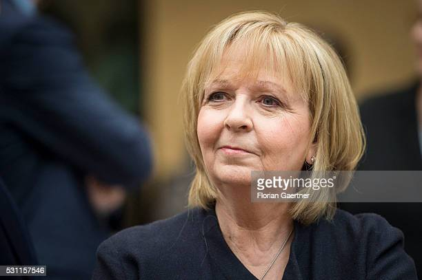 Hannelore Kraft SPD prime minister of the German state of North RhineWestphalia before the meeting of the Bundesrat on May 13 2016 in Berlin The...