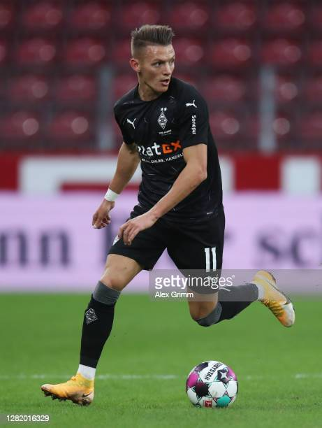 Hannes Wolf of Moenchengladbach controls the ball during the Bundesliga match between 1 FSV Mainz 05 and Borussia Moenchengladbach at Opel Arena on...