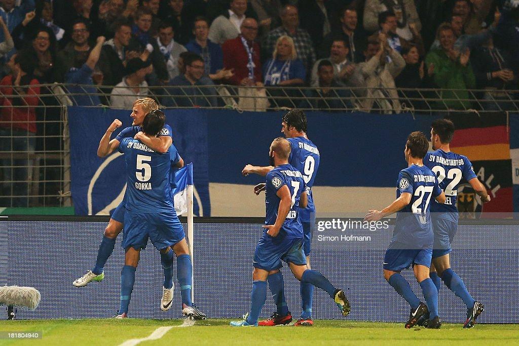 Darmstadt 98 v Schalke 04 - DFB Cup : News Photo