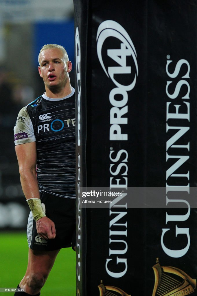Ospreys v Ulster Rugby - Guinness Pro14 Round 11 : News Photo