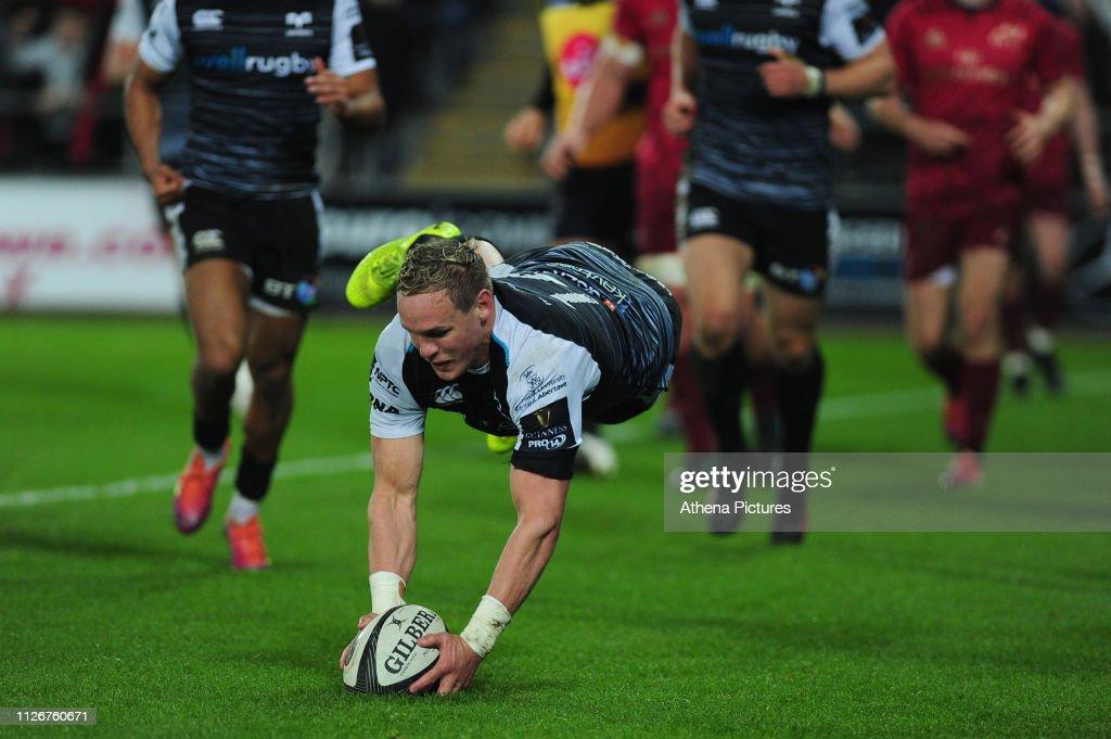 Ospreys v Ulster Rugby - Guinness Pro14 : News Photo
