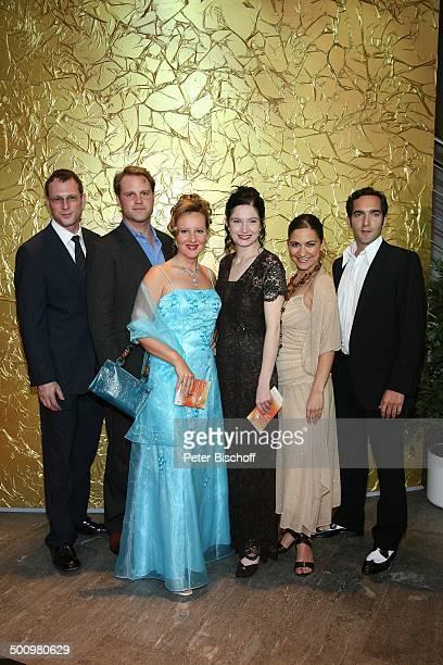 "Hanno Friedrich, Mirco Reseg, Nina Vorbrodt, Emily Wood, Shirin Soraya, Thomas Maximilian Held , ARD-Gala ""Deutscher Fernsehpreis 2006"", Köln,..."