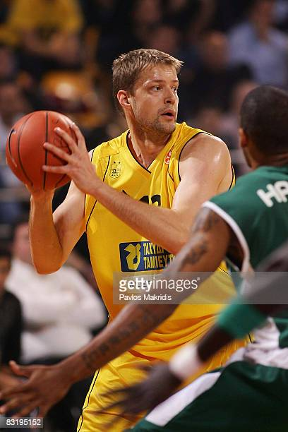 Hanno Mottola of Aris TT Bank in action during the Euroleague Basketball Game 1 between Aris TT Bank and Unicaja at the Palais Des Sports on October...