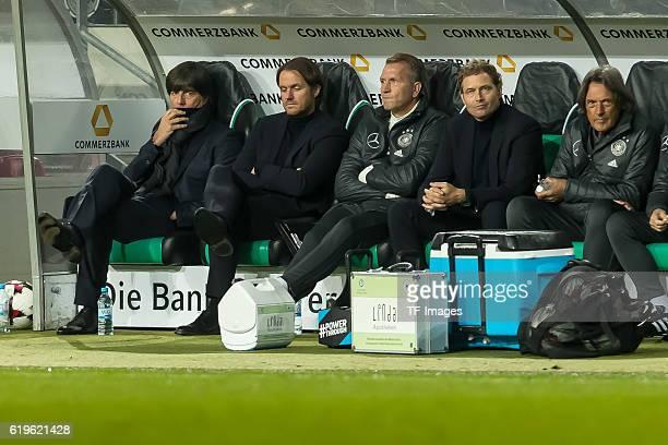 Hannover Deutschland WMQualifikation 2016/2017 Gruppe C Deutschland Nordirland vl Trainer Jochaim Loew Assistenztrainer Thomas Schneider...