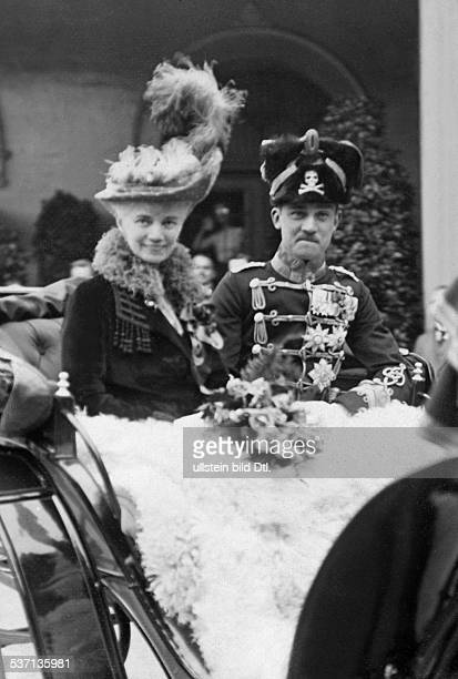 Hannover Ernst August III of Duke of Brunswick Germany with his mother Duchess Thyra of Cumberland in a carriage during the celebrations at the...