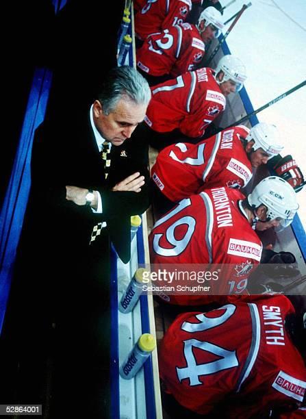 WM 2001 Hannover NORWEGEN KANADA 05 Trainer Wayne FLEMING BANK/CAN Derek MORRIS Brad STUART Rem MURRAY Joe THORNTON Ryan SMYTH
