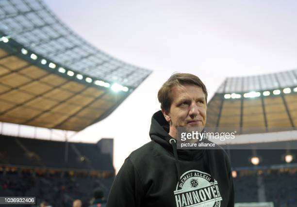 Hannover's head coach Daniel Stendel prior to the German Bundesliga soccer match between Hertha BSC and Hannover 96 at the Olympiastadion in...