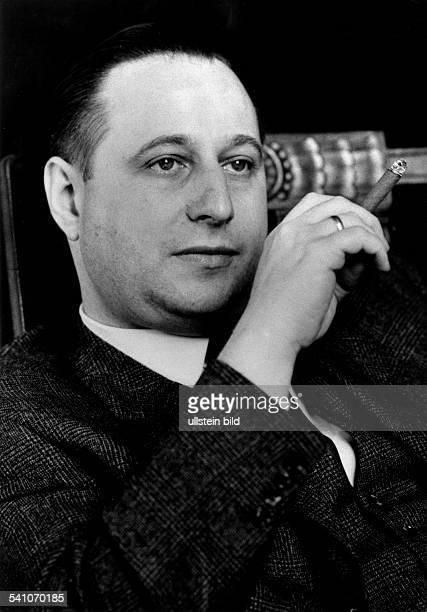 Hanns-Peter Hertz, german journalist and politican. Portrait 1964