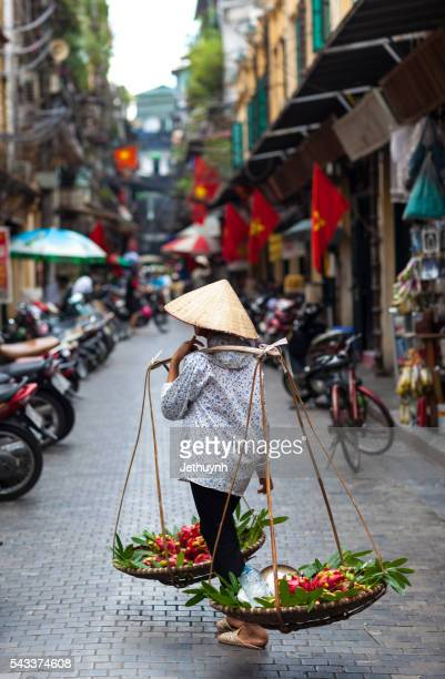 hanoi fruit street vendor at ta hien street - ho chi minh city stock pictures, royalty-free photos & images
