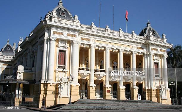 hanoi opera house - koloniale stijl stockfoto's en -beelden