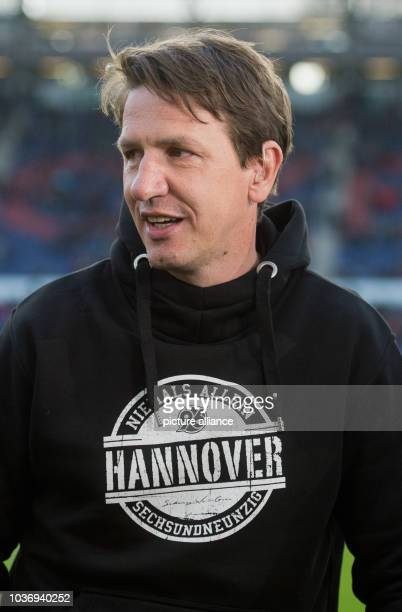 Hanover's coach Daniel Stendel during the German Bundesliga soccer match between Hanover 96 and Borussia Moenchengladbach at HDIArena in Hanover...