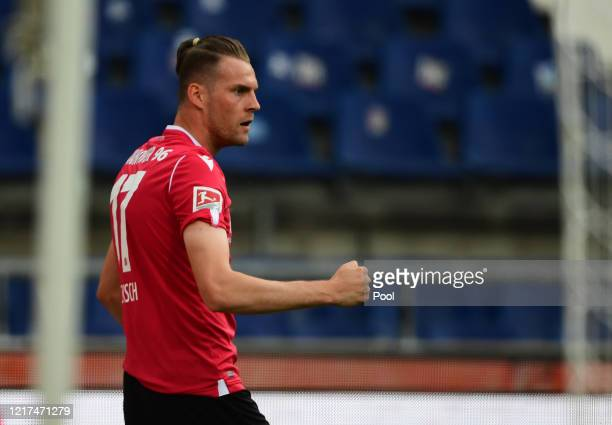Hanover's Marvin Ducksch celebrates after scoring his teams first goal during the Second Bundesliga match between Hannover 96 and SG Dynamo Dresden...