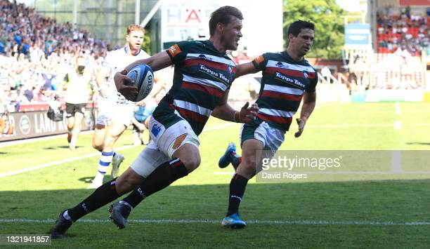 Hanro Liebenberg of Leicester Tigers scores their first try during the Gallagher Premiership Rugby match between Leicester Tigers and Bristol Bears...